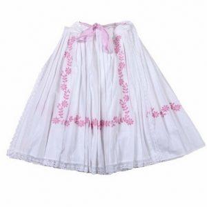 Biela sukňa a zástera s ružovou výšivkou