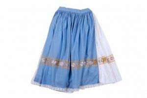 Biela sukňa, modrá zásterka