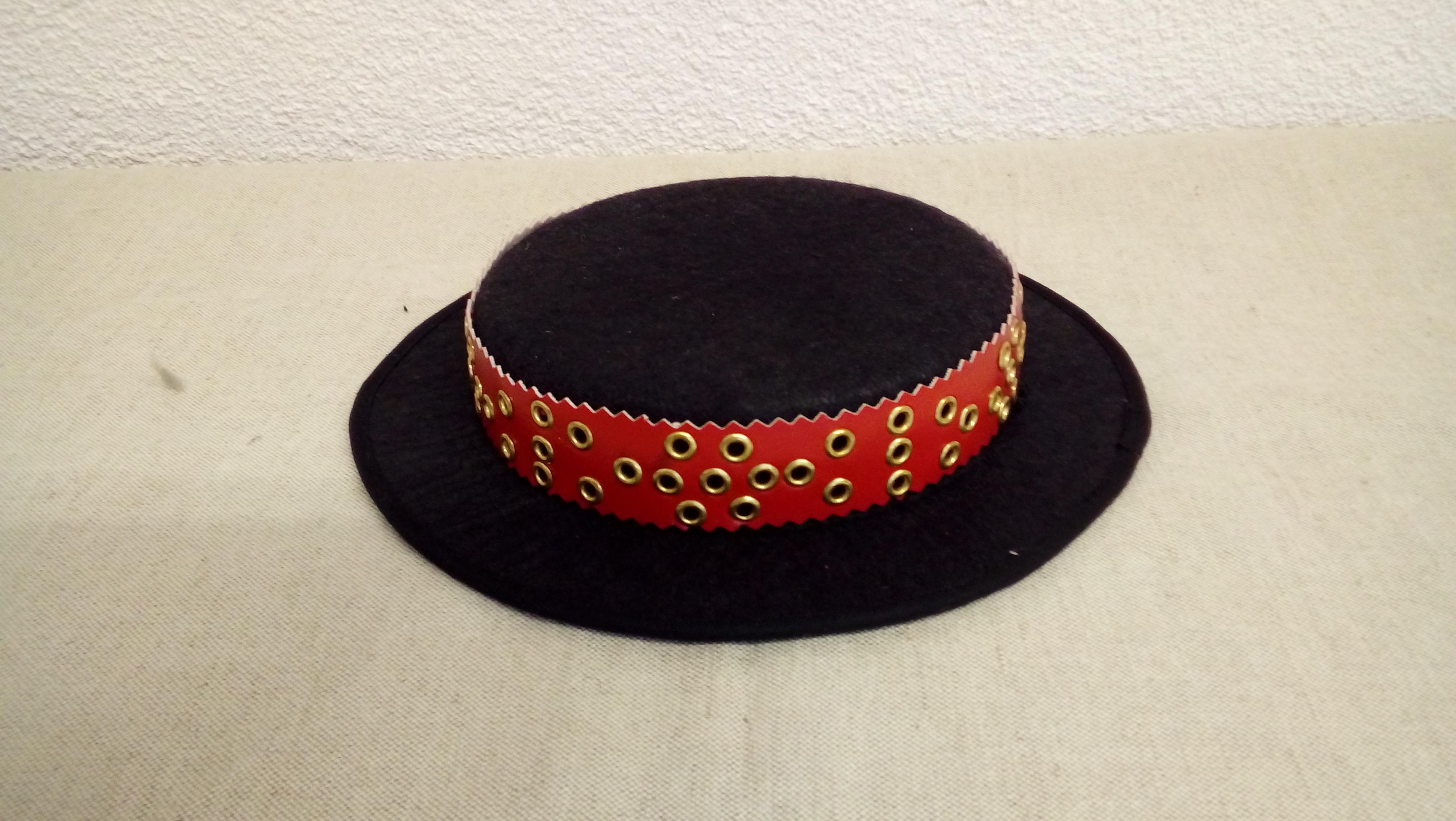 980f1547a Očovský klobúčik – Detvianske ľudové umenie – Iveta Smileková